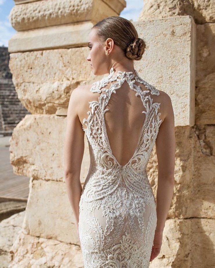 Beautiful lace back wedding dress | Amazing Wedding Dress | fabmood.com #weddingdress #weddingdresses #weddinggown #bride #bridegown #bridaldress #wedding