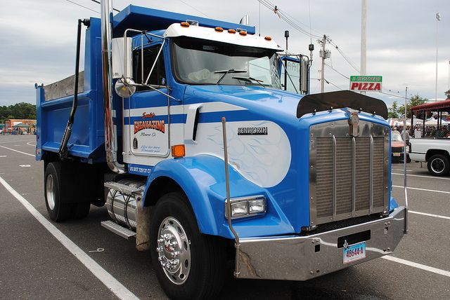 Custom Single Axle Trucks : Kenworth dump trucks move the earth pinterest