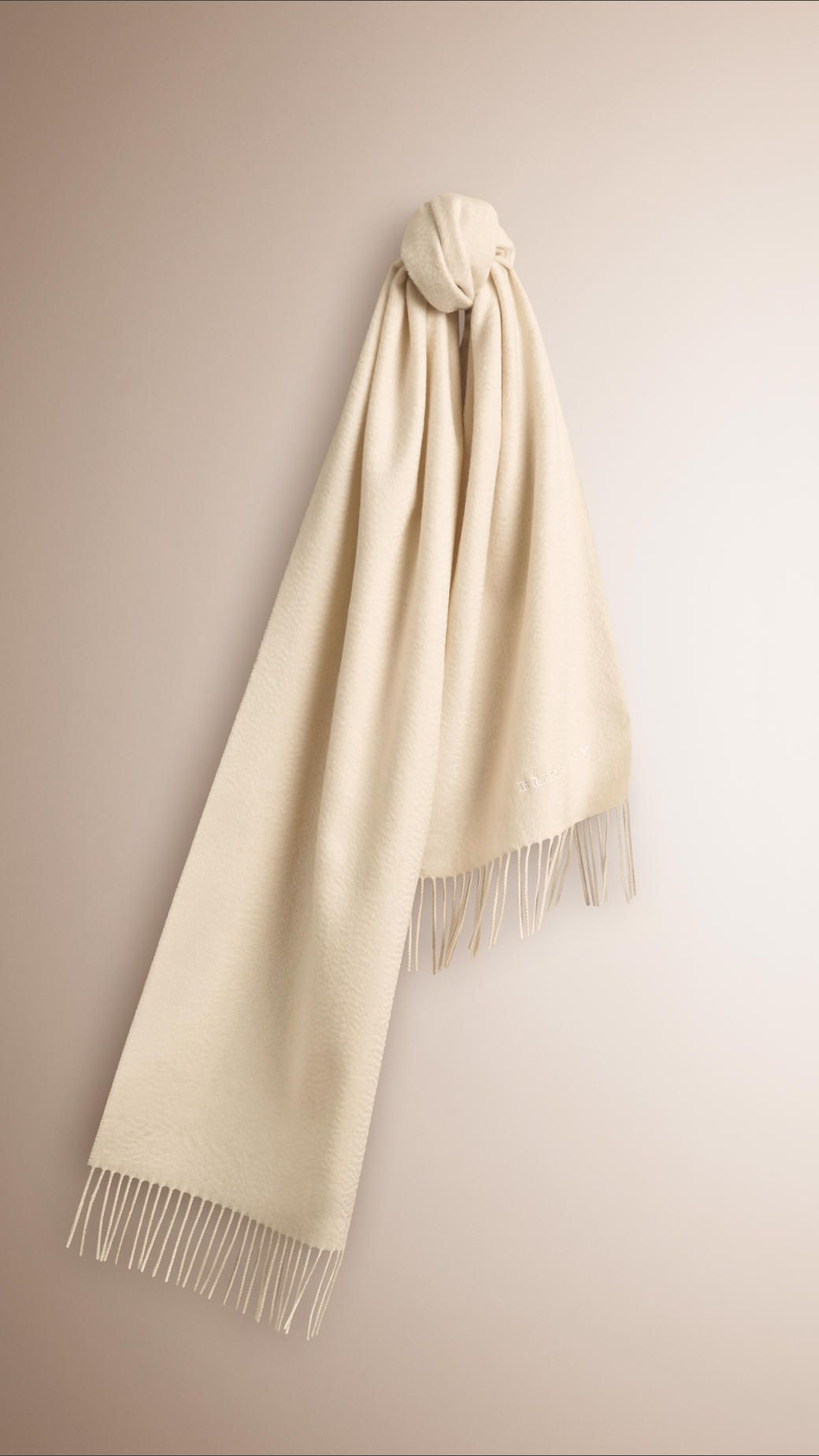 The Classic Cashmere Scarf Natural white | Burberry