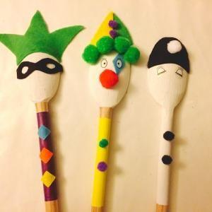 Marionnettes en cuill res en bois t te modeler marionnette cuill res et en bois - Bricolage bois facile ...