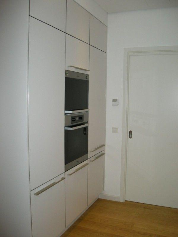 Schiebetür küche speisekammer  Halboffene Küche mit Speisekammer - Fertiggestellte Küchen ...