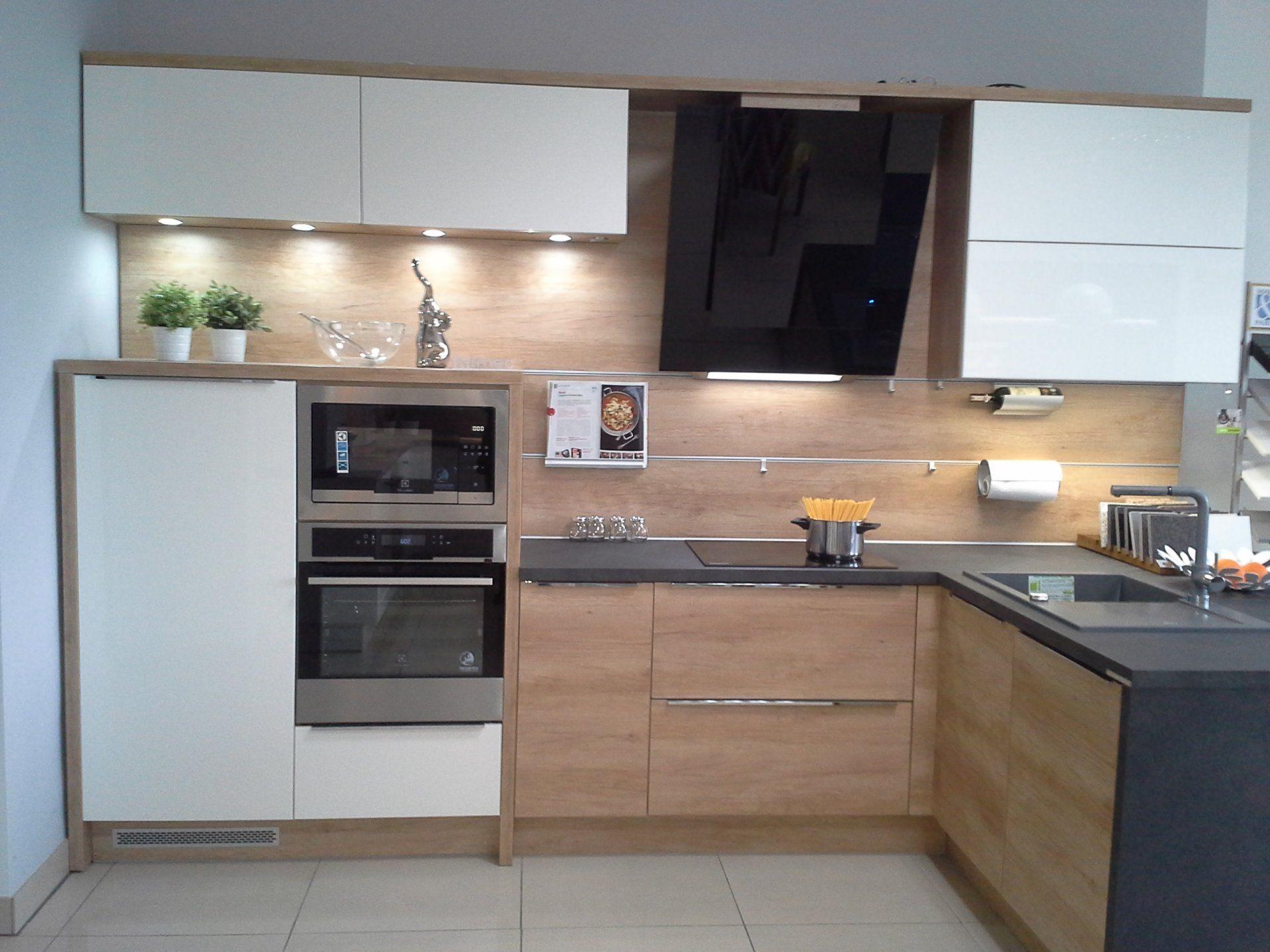 Kuchnia Nowoczesna Wfm Calma Bialy Polysk Punto Nebraska Kitchen Cabinets Kitchen Home