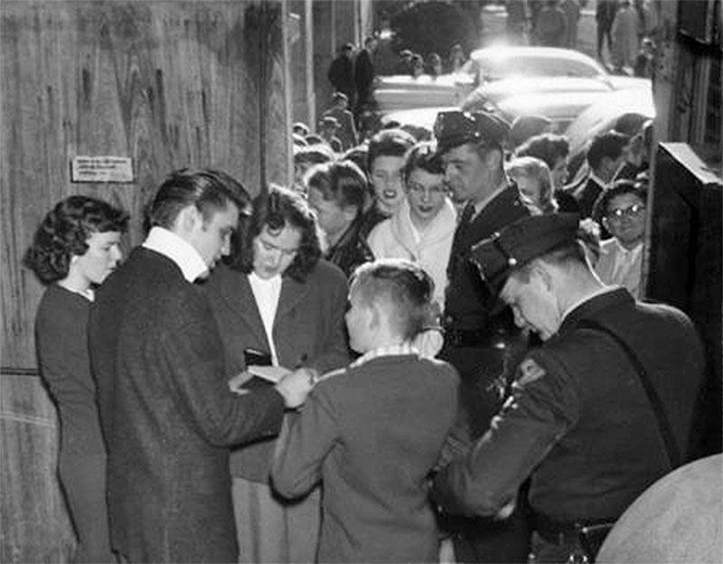 February 12, 1956 Norfolk Auditorium | Young elvis, Elvis, Fan picture