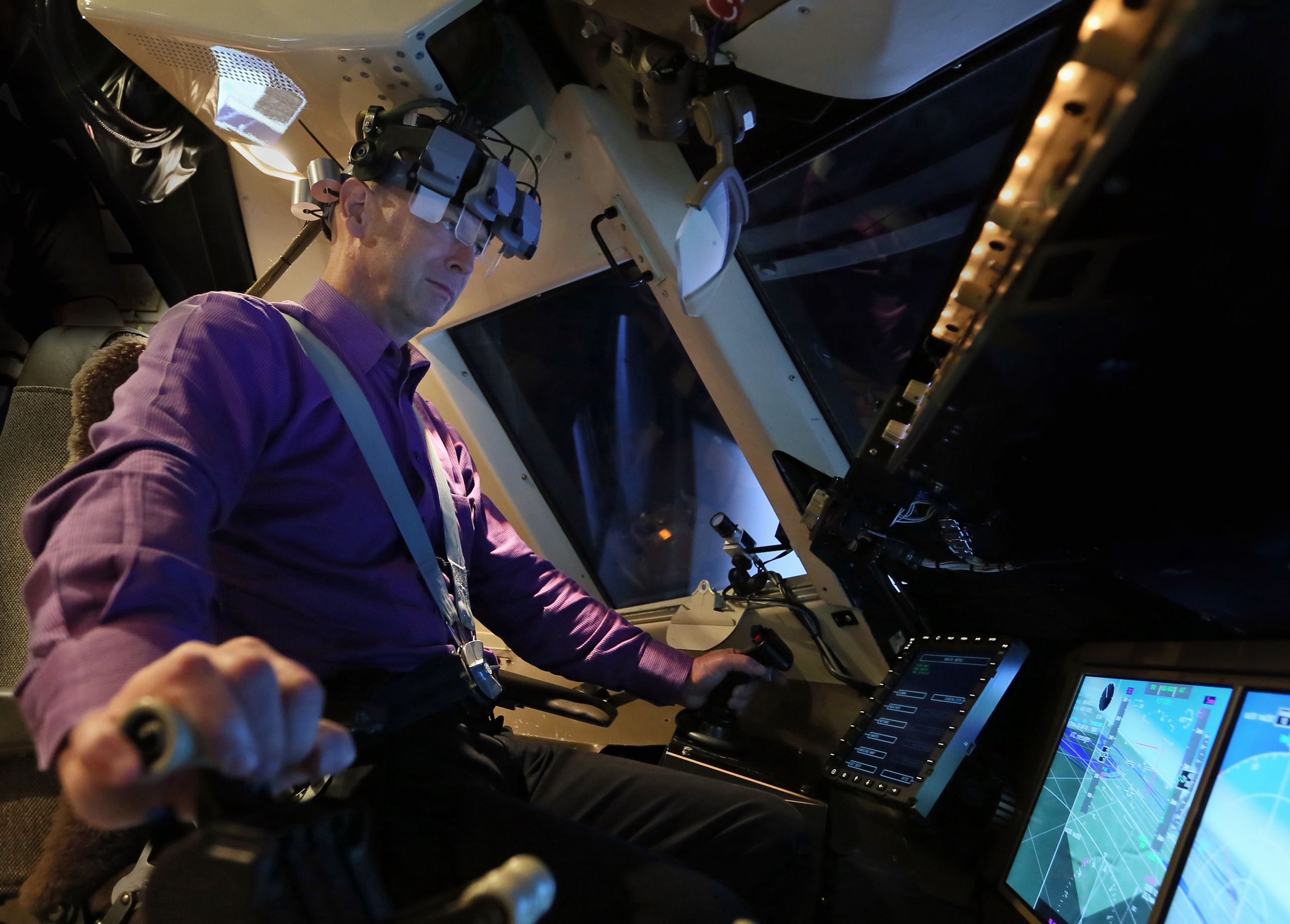 NASA and American Airlines team up to improve cockpit