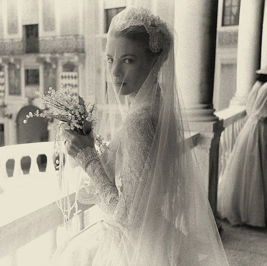 Spectacular photographs from Grace Kelly and Prince Rainier of Monaco's royal wedding #hollywoodstars