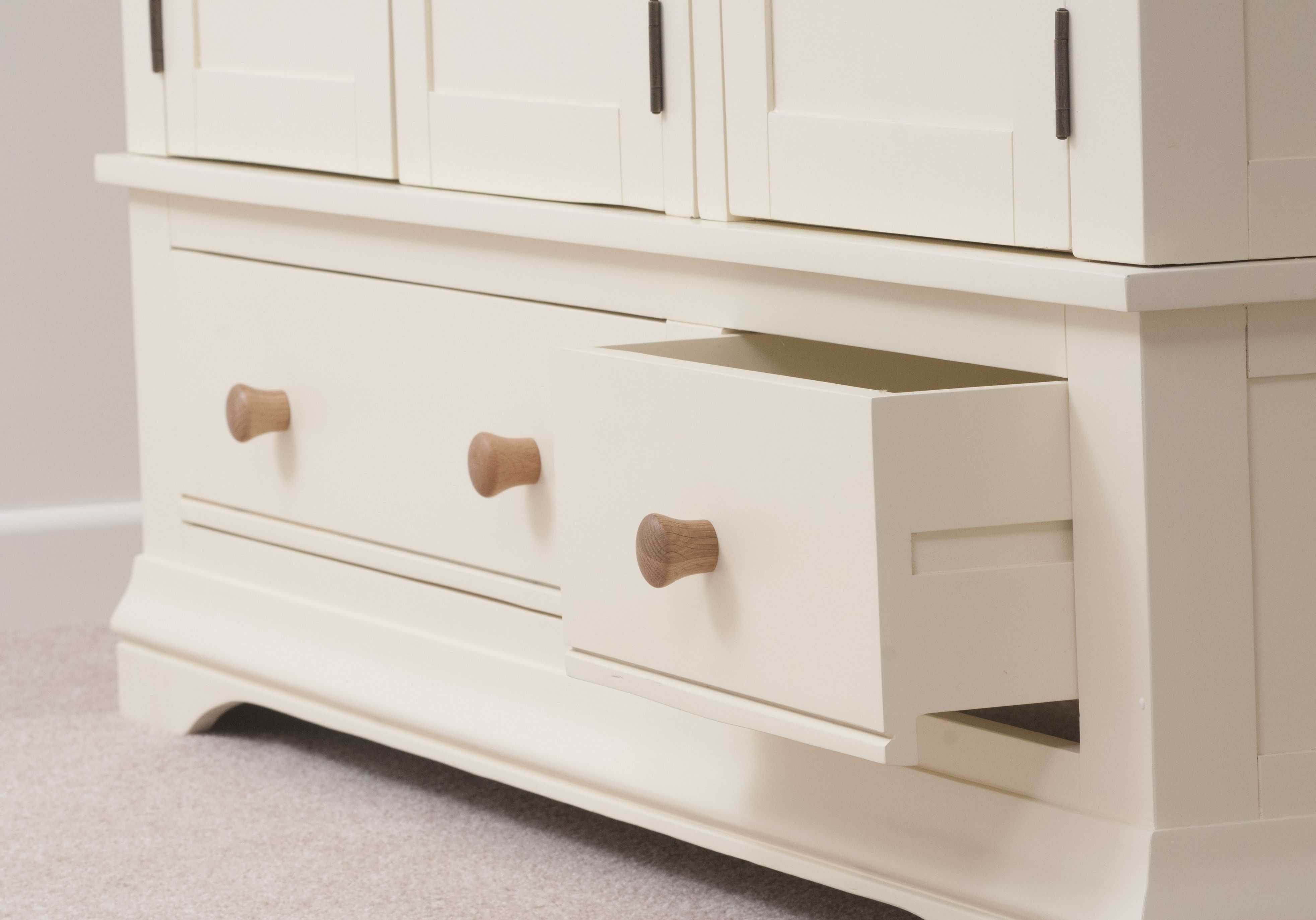 Country Cottage Painted Funiture Bedroom Cream Wardrobe Drawers Oak Furniture Land Www