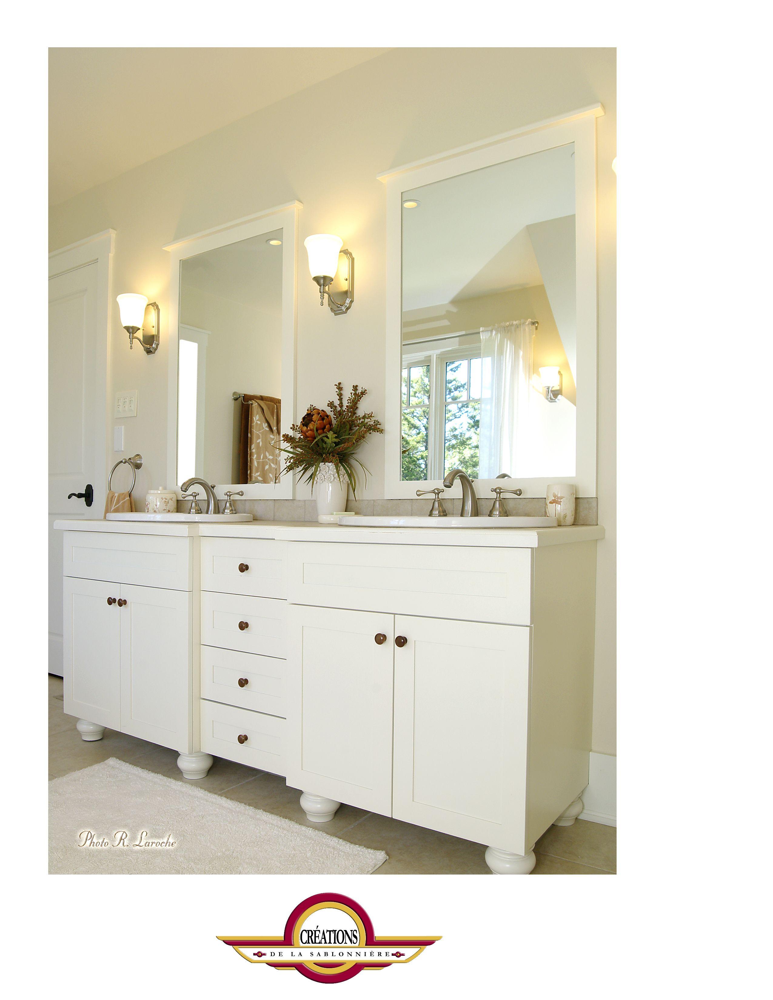 Meuble de bain de style campagnard chic, merisier blanc sur pattes ...