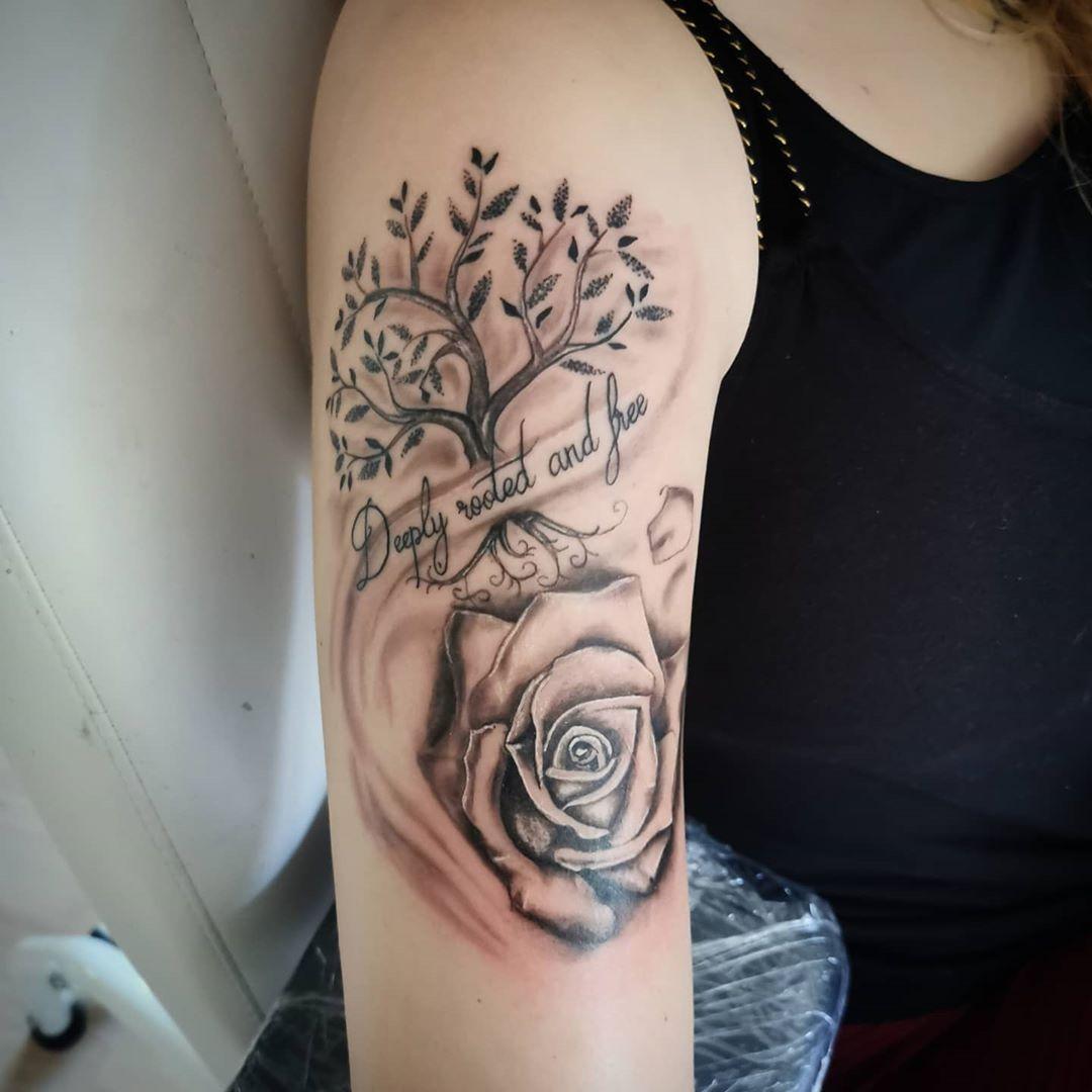 R O S E T A T T O O  #schmerzgeiltattoo #rose #tattoo #rosetattoo #inkspiration  #instatattoo #instattoo #inked #ink #tatts #girlswithtattoos #tattoolove #tattoolife #lifestyle #instapic #photo #instavideo #bremen #vegesack #oldenburg #bremerhaven  @chabi_2000 @tim_hb_287  EQUIPMENT  @hustlebutterdeluxe @eliteneedle @kwadron @tribal_jewelry_gmbh @silverbackink @intenzetattooink @inkjetstencils @eikondevice @stencilstuff @killerinktattoo
