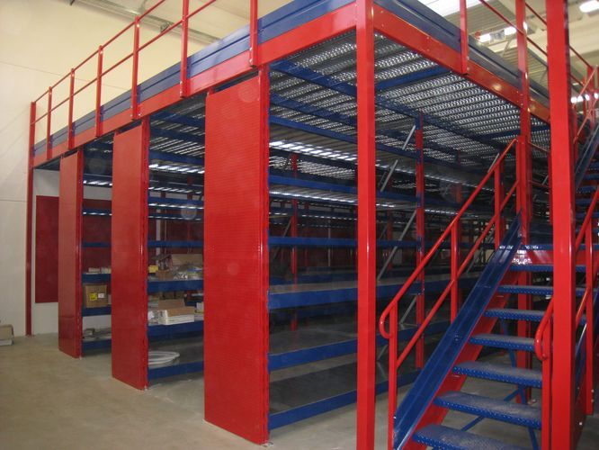 self-supporting pallets mezzanines