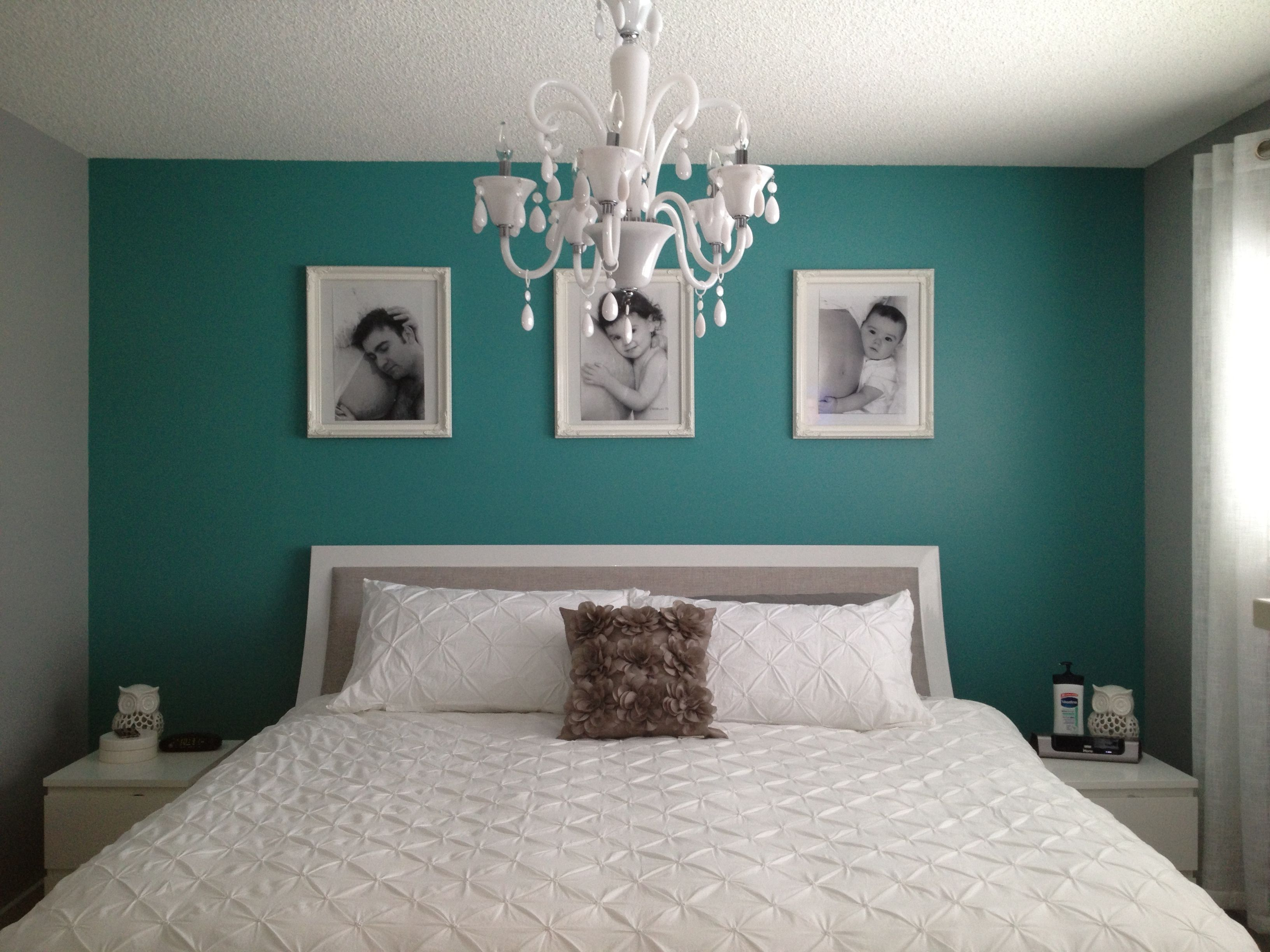 Grey And Teal Bedroom How Do We Think This Would Look With A Black Sleigh Bed So Instead Of The White You Only One Wall