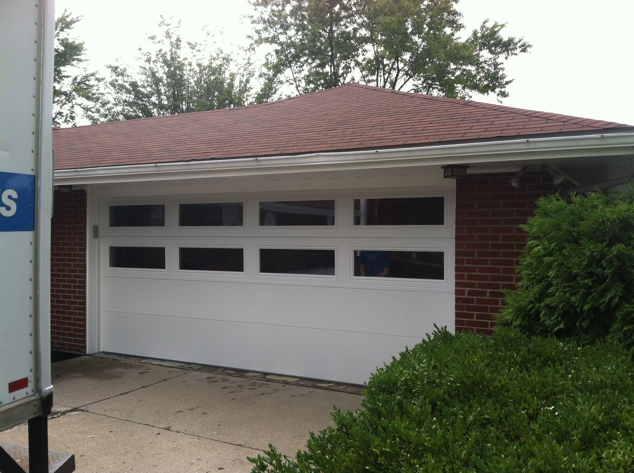 New Hormann Sandwich Steel Insulated Garage Door With 2 Rows Of Insulated Glass To Let Tons Of Light Into T Garage Door Insulation Garage Doors Garage Makeover