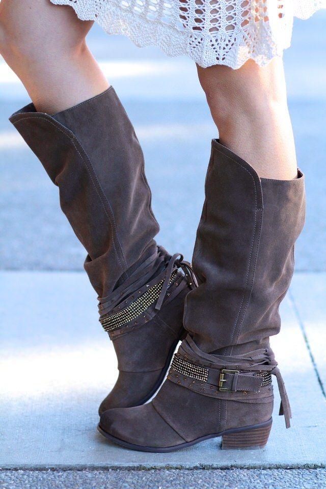 Pin di Marina Bessegato su sono una girl con i piedi per