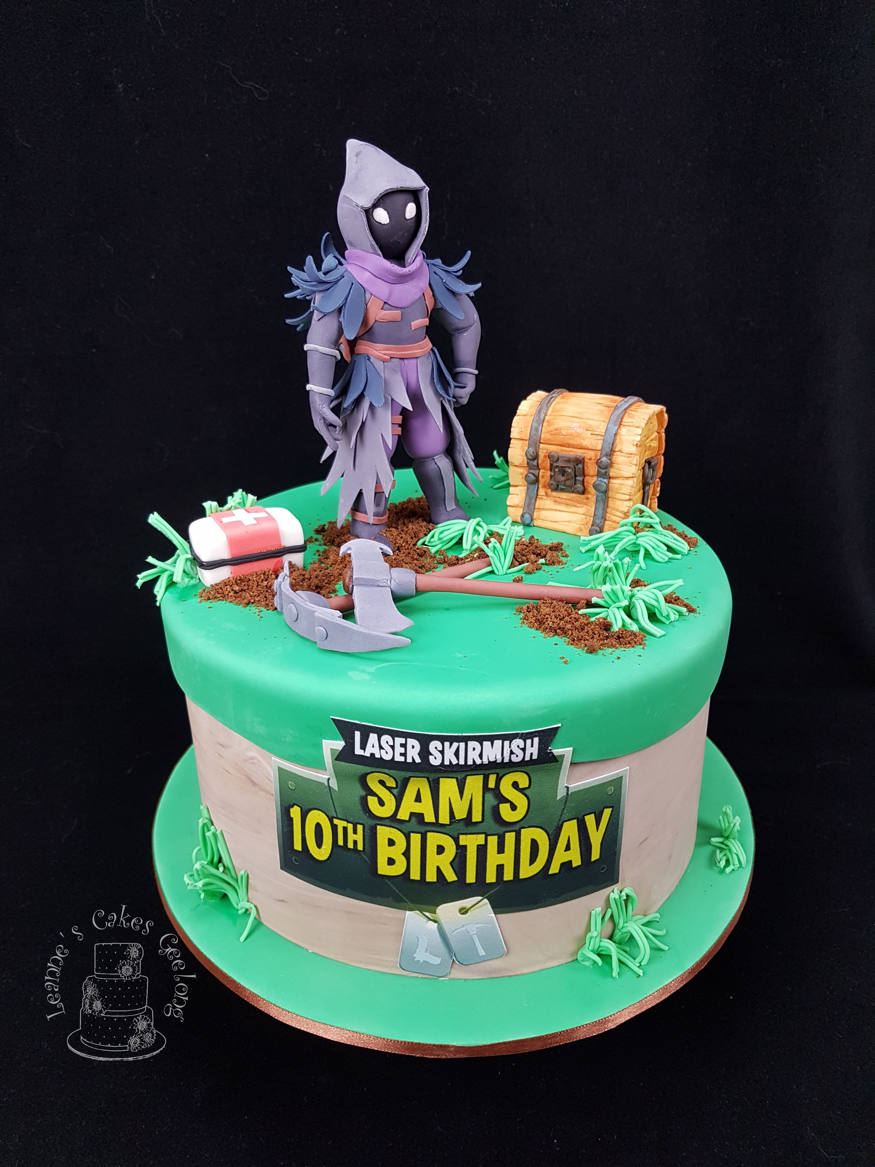 Fortnite Battle Royale This is a similar cake to the one