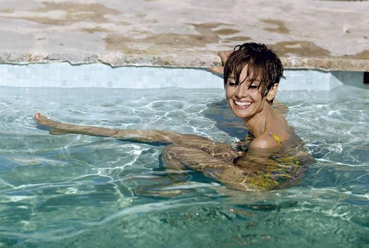 Одри: бассейн