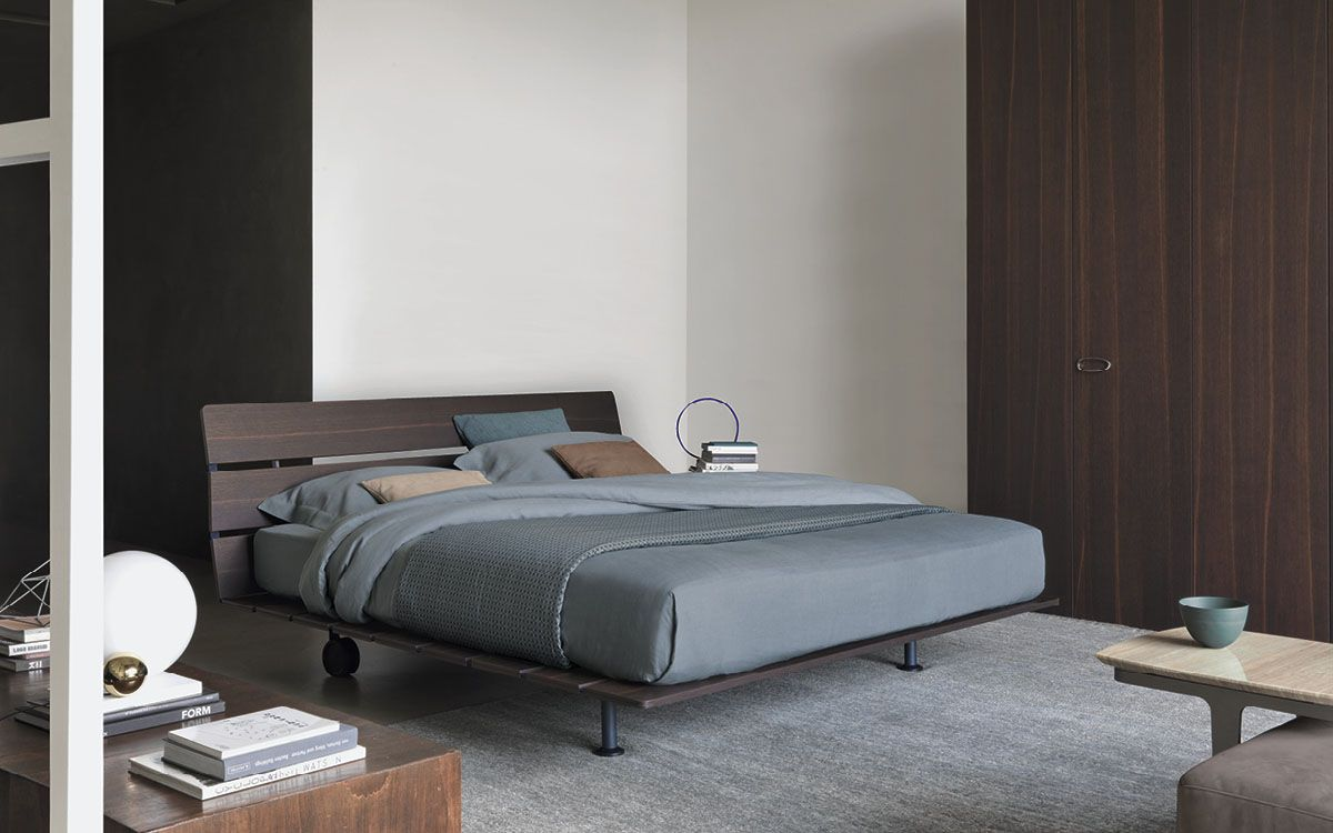 Tadao bed / Vico Magistretti / Flou | Beds + Sofa Beds | Pinterest ...
