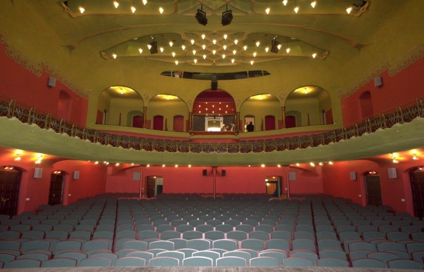 Blick von der Bühne Richard Riemerschmids Jugendstil Raum