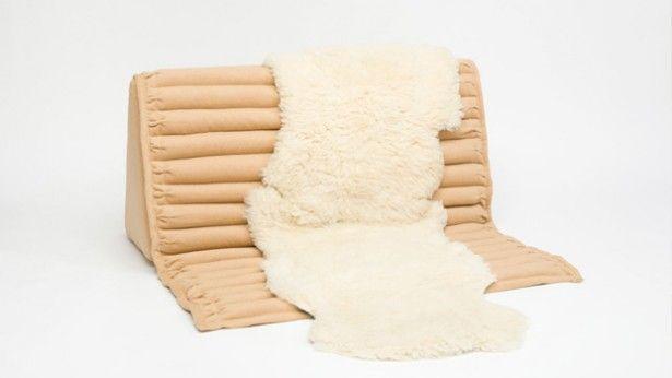Comfortabel op de vloer zitten kan met de A-Lounge van Assembly