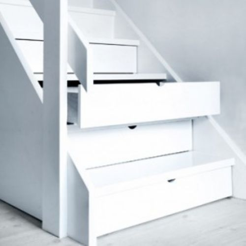 staircase drawers?! want!
