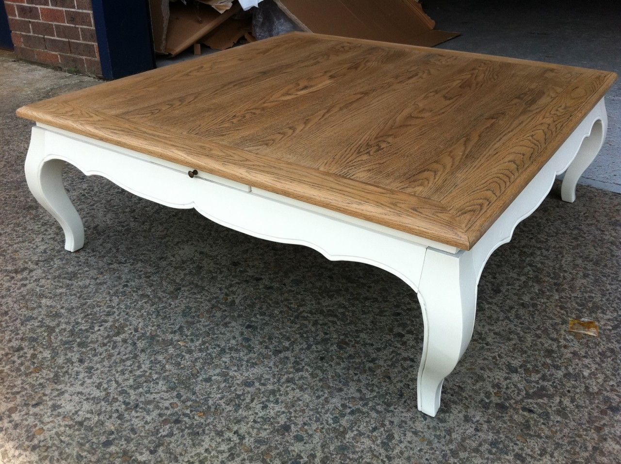 NEW FRENCH PROVINCIAL COUNTRY VINTAGE SQUARE COFFEE OAK TABLE CHIC