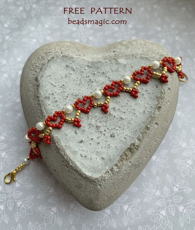 Free pattern for bracelet Red Hearts #beads