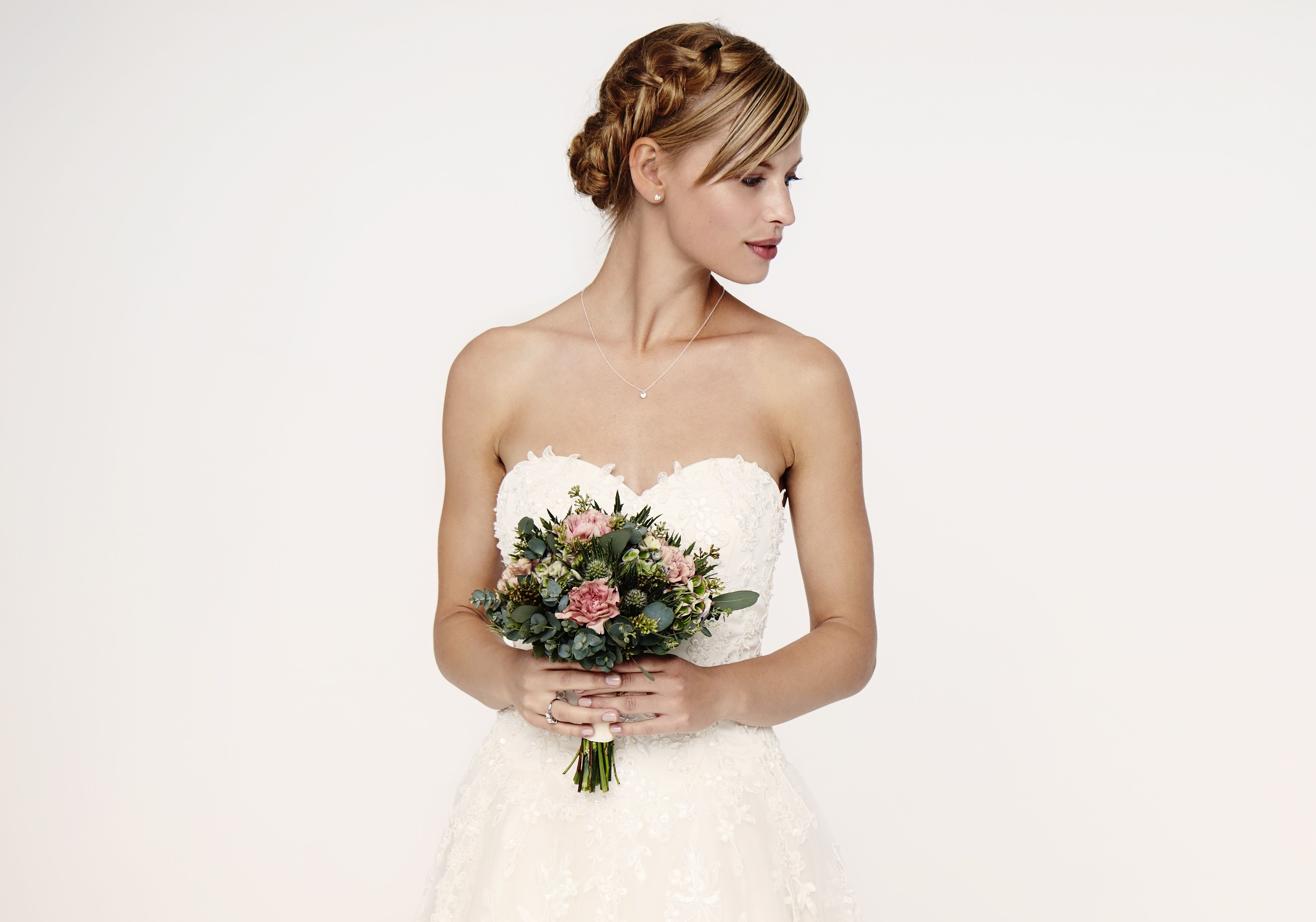 21a9b96359d23 Ever wanted to design your own wedding dress?