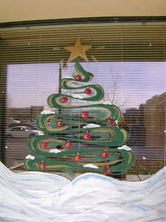gemini queen christmas window decorating contest - Queen Christmas Decorations