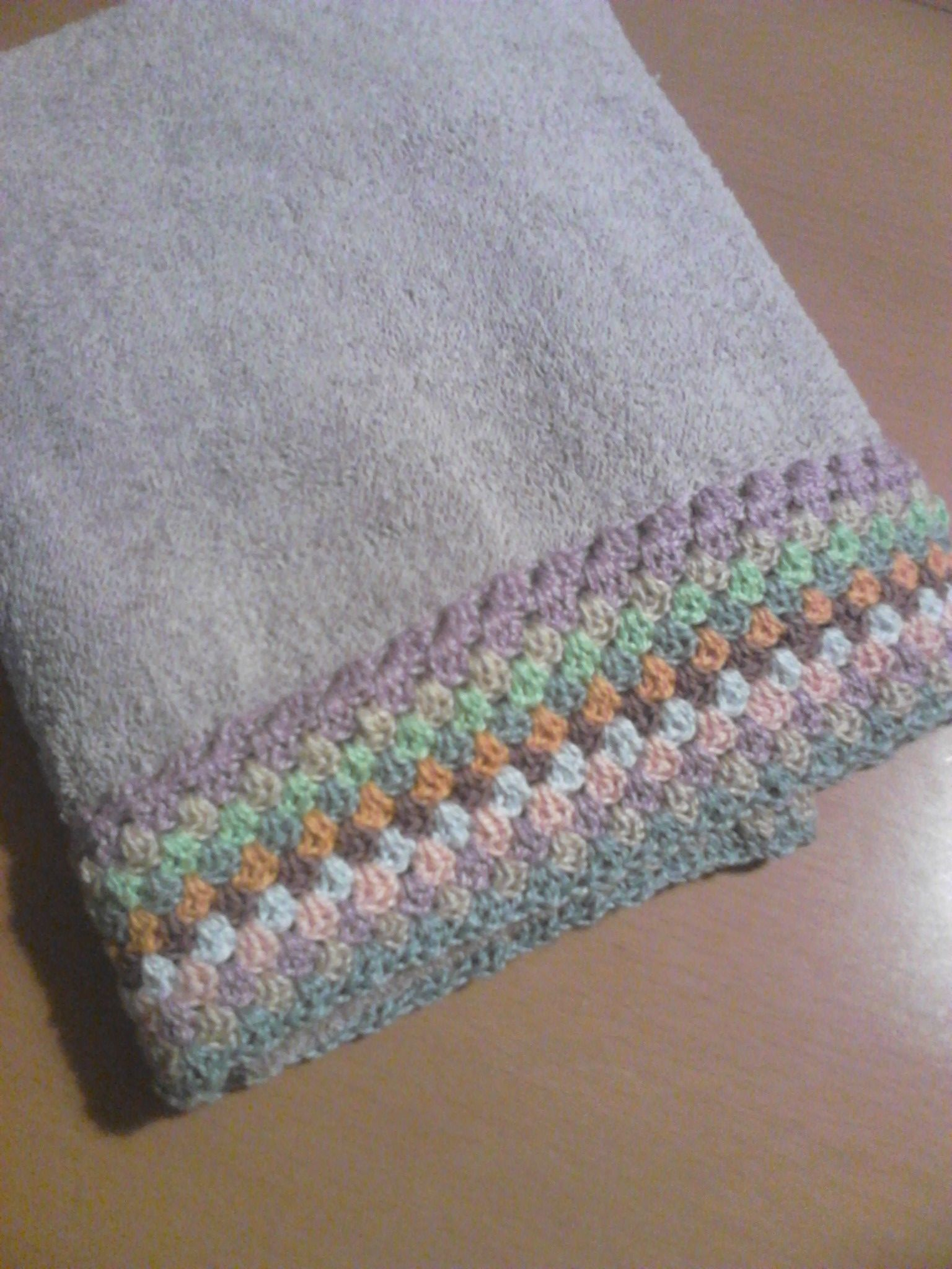 Toallas aburridas? Noooo con un poco de imaginacion un crochet e ...
