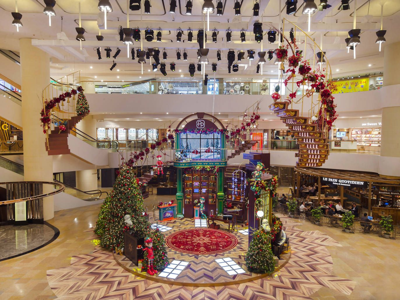 Best Christmas Displays In Hong Kong Christmas Decor Inspiration Christmas Display Fun Christmas Decorations