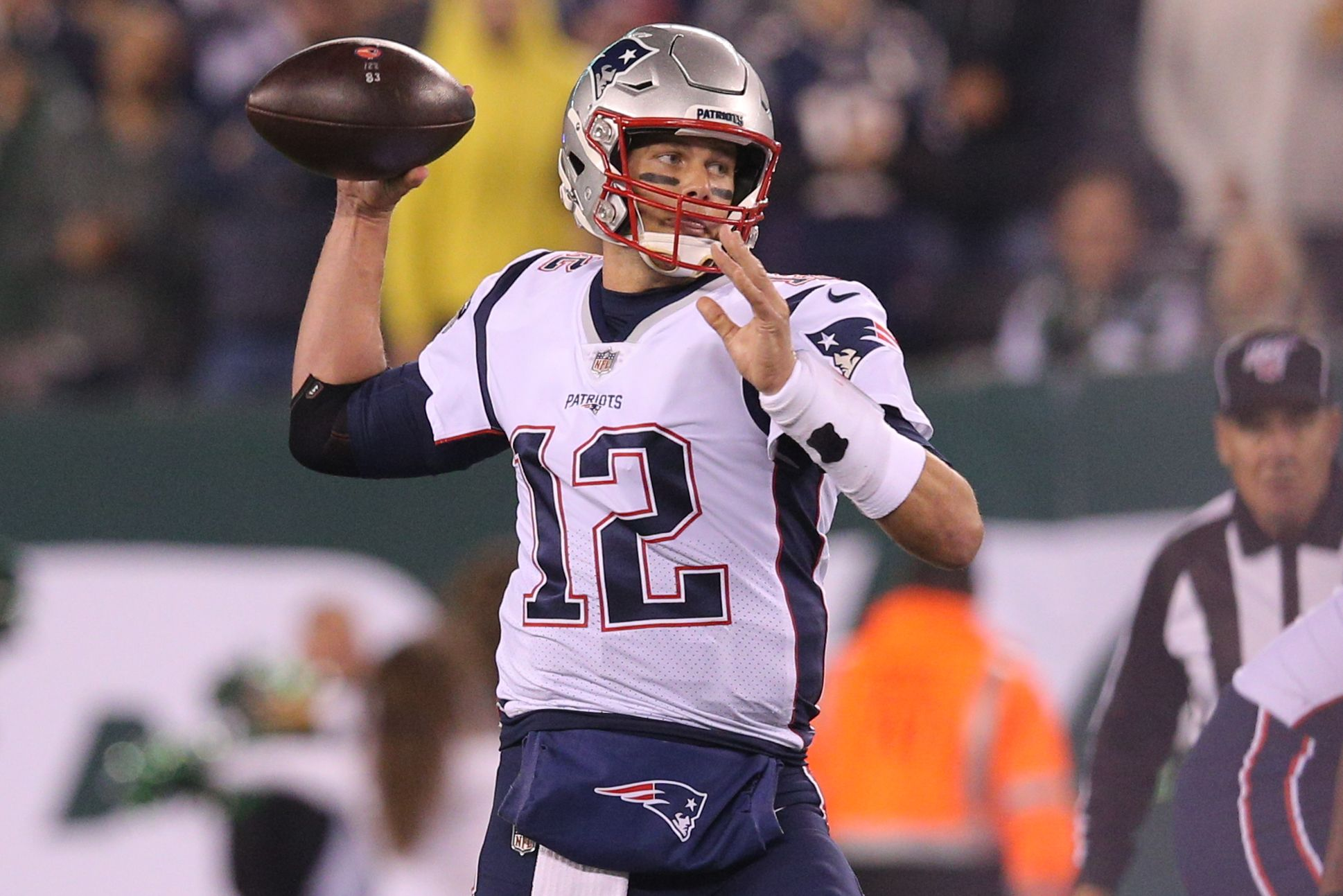 James Jones Cam Is An Upgrade At Qb For Pats Over Brady Nfl News In 2020 Nfl News Patriots Quarterbacks Nfl