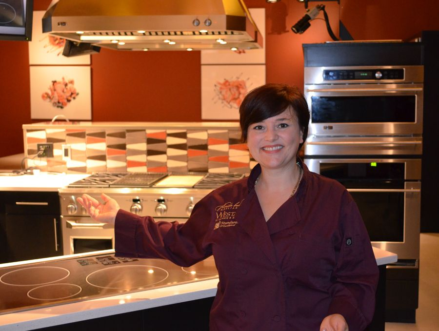 Chef Rachelle Boucher Of Standards Of Excellence, Florida Builder  Appliances And Westar Kitchen U0026 Bath At The GE Experience Center In  Louisville, KY