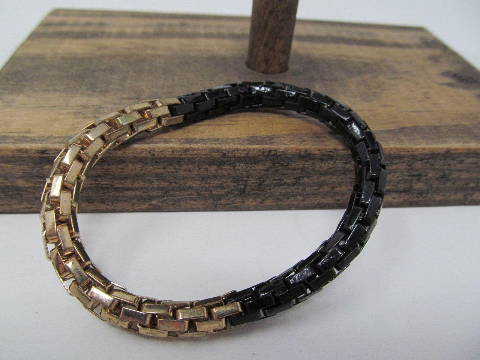 Black and gold stretchable bracelet unisex