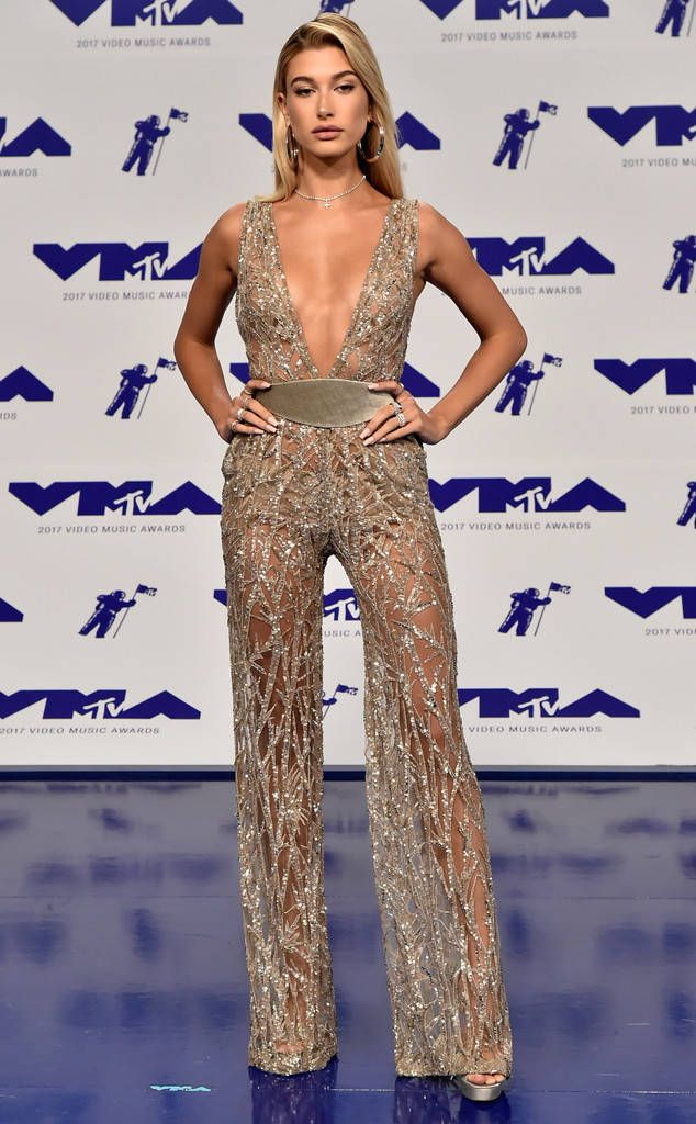 Hailey Baldwin From Mtv Video Music Awards 2017 Red