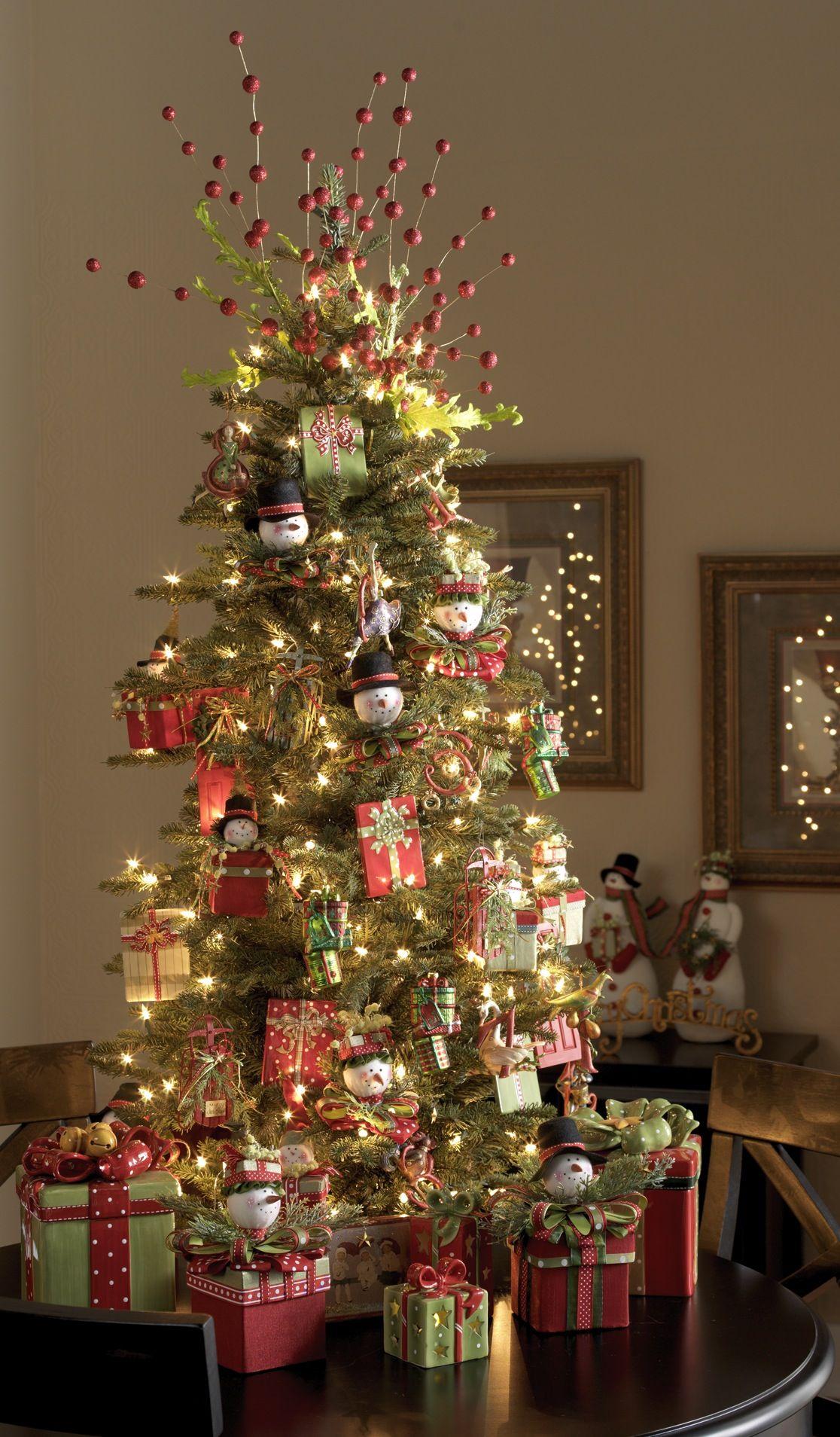 Fotos de arbol de navidad pinos de navidad pino de for Decoracion christmas navidenos