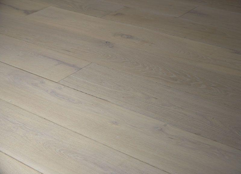Holzdielen Eiche Weiß Geölt massivholzdiele eiche rustikal intensiv weiß geölt bodenbeläge