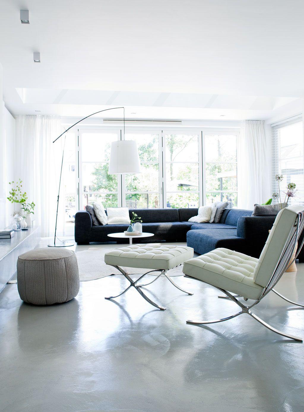 Delicieux Barcelona Chair In Livingroom