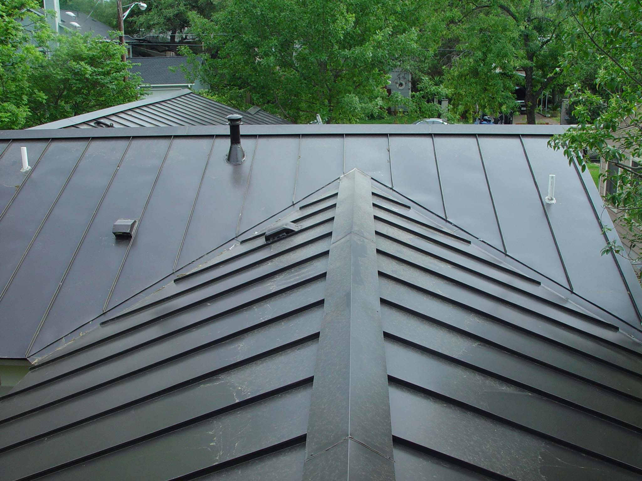 Have You Decided That Your House Deserves A New Roof It S A Good Idea To Start Out With The Proje Standing Seam Metal Roof Aluminum Roof Corrugated Metal Roof