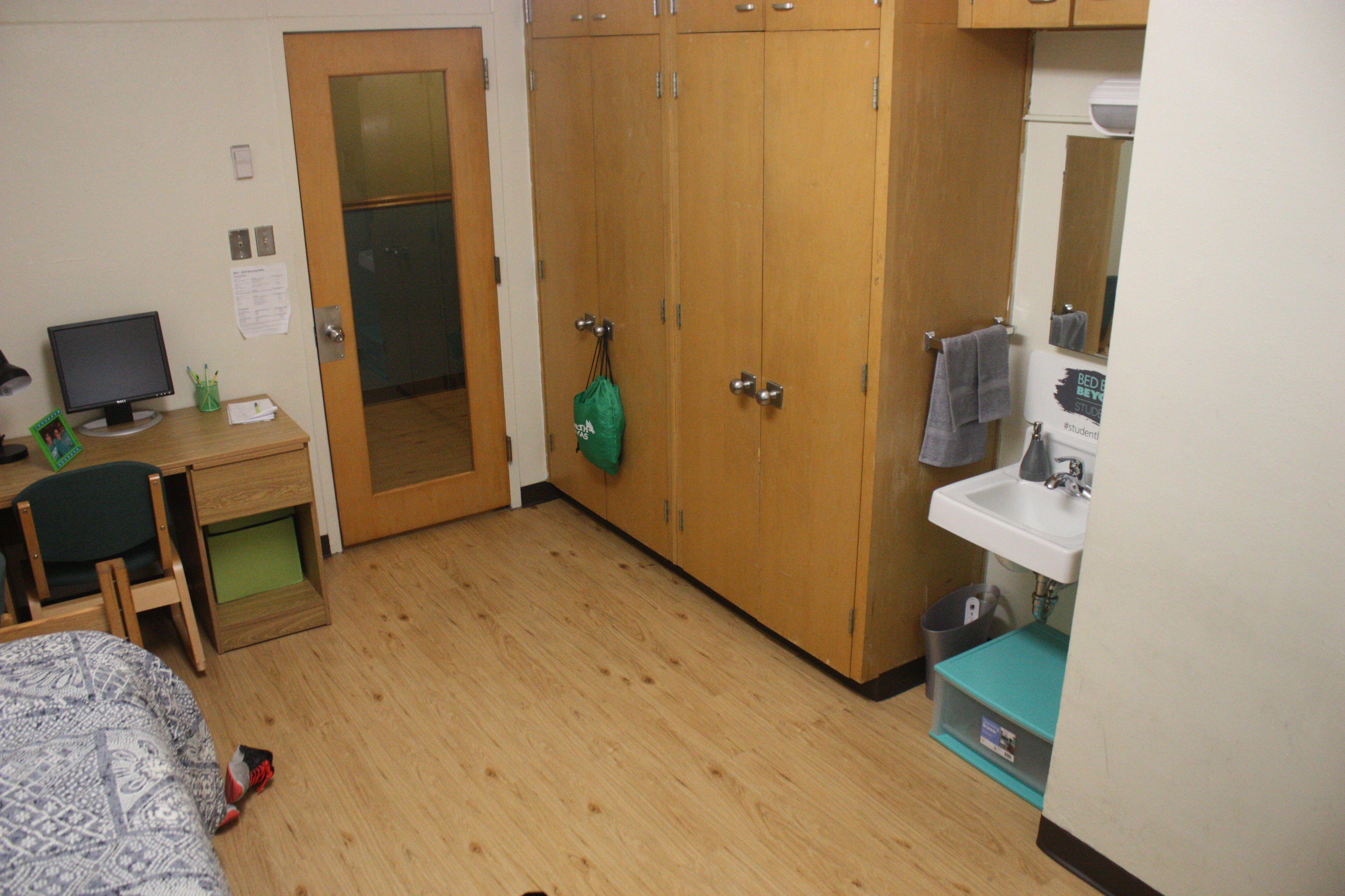 22 Crumley Hall Ideas Hall Double Room Home