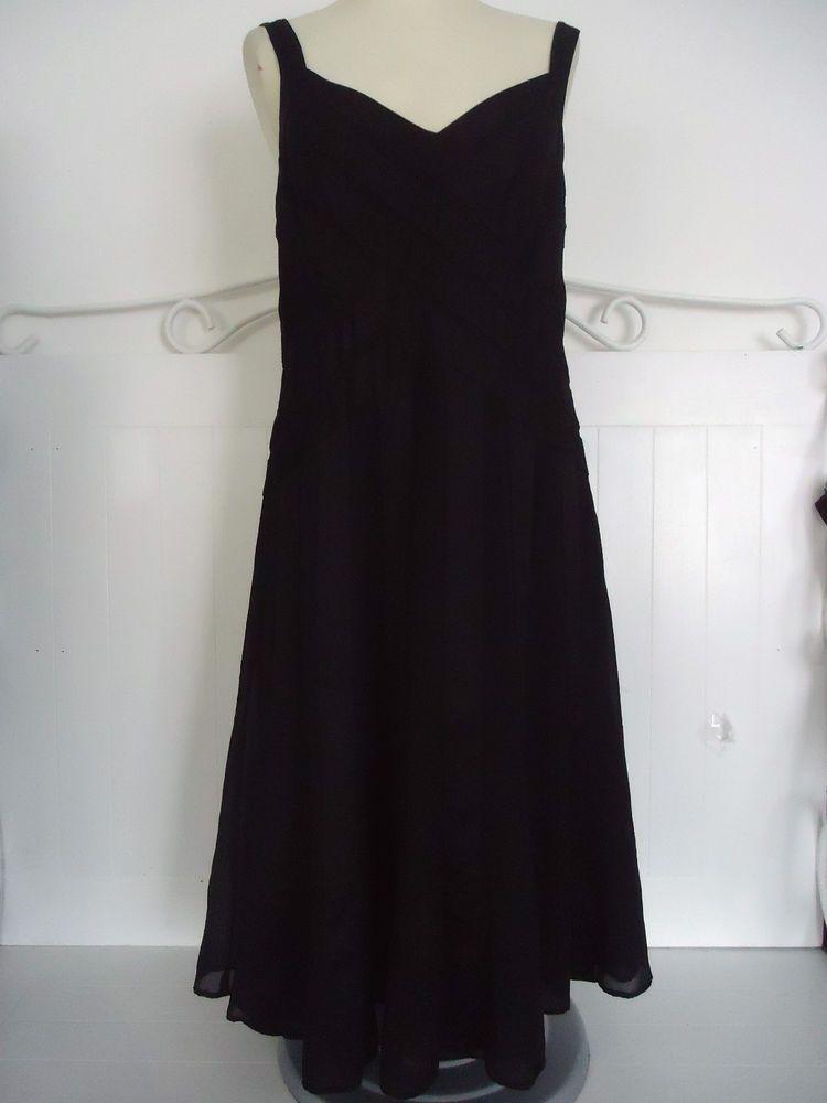 per una black dress