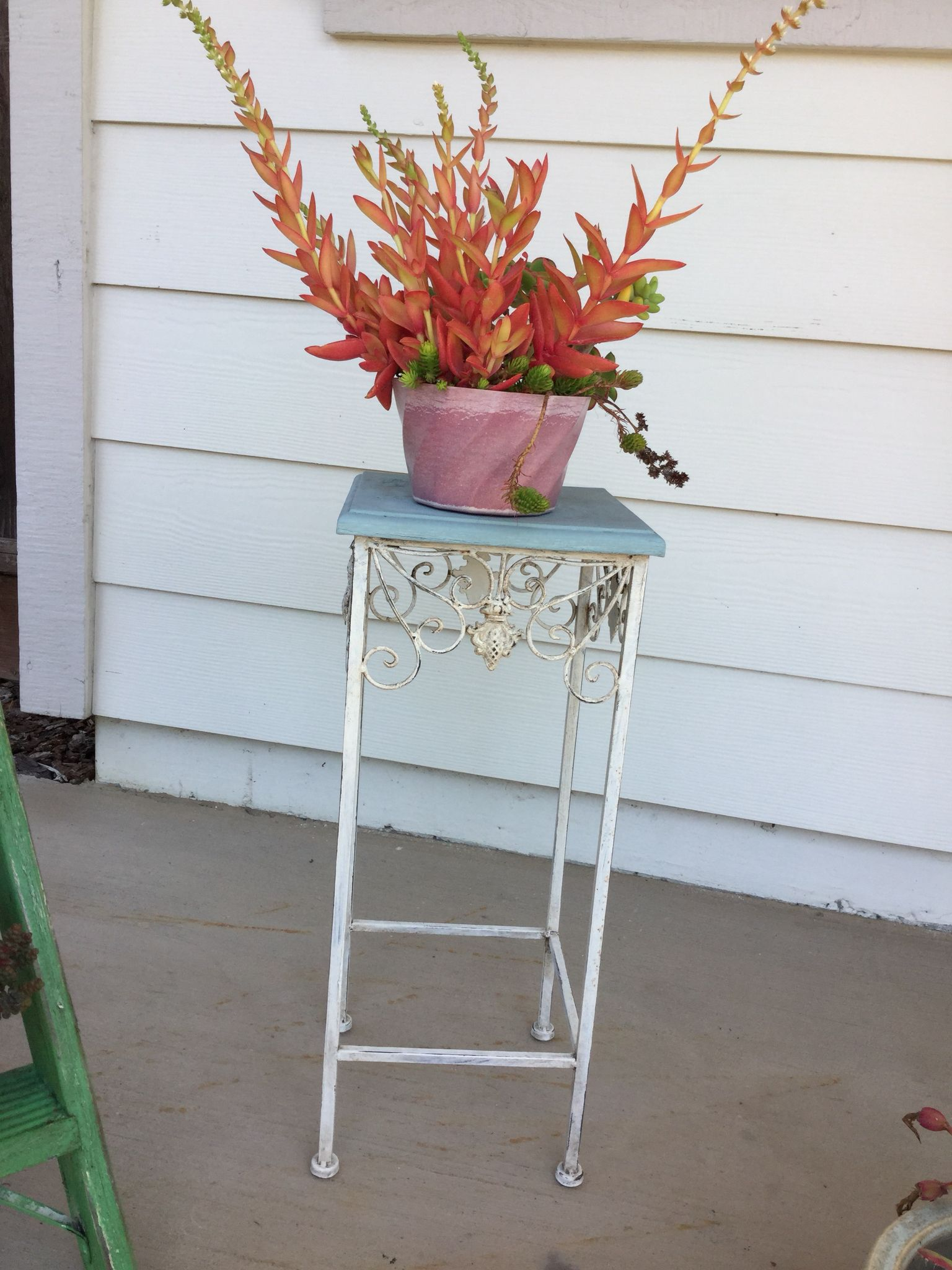 Plant Stand Painted With Annie Sloan Old White And Duck