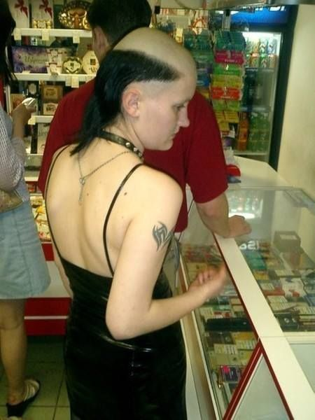 Head shave fetish