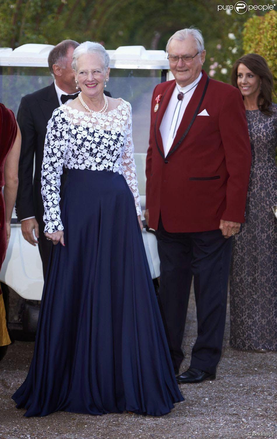 Reine Margrethe Ii Henri De Laborde De Monpezat Kjoler Bla Dronning