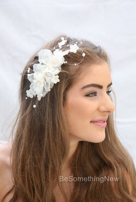 Hochzeit Blumen Haar Kamm mit Jahrgang Organza Blumen und Perlen, Hochzeit Haar Blume Headpiece gemacht.  Diese Hochzeit Haar Kamm wird von neuen
