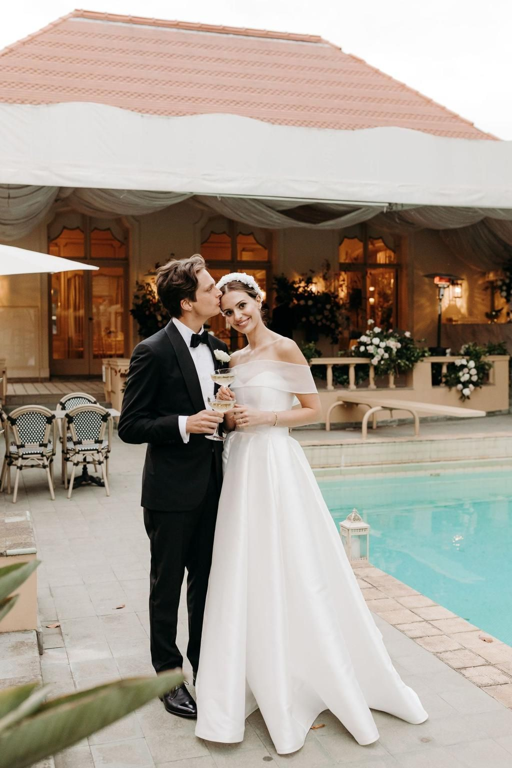 Inside A Classic Melbourne Wedding Set At An Iconic Cathedral In 2020 Vogue Bride Melbourne Wedding Vogue Wedding