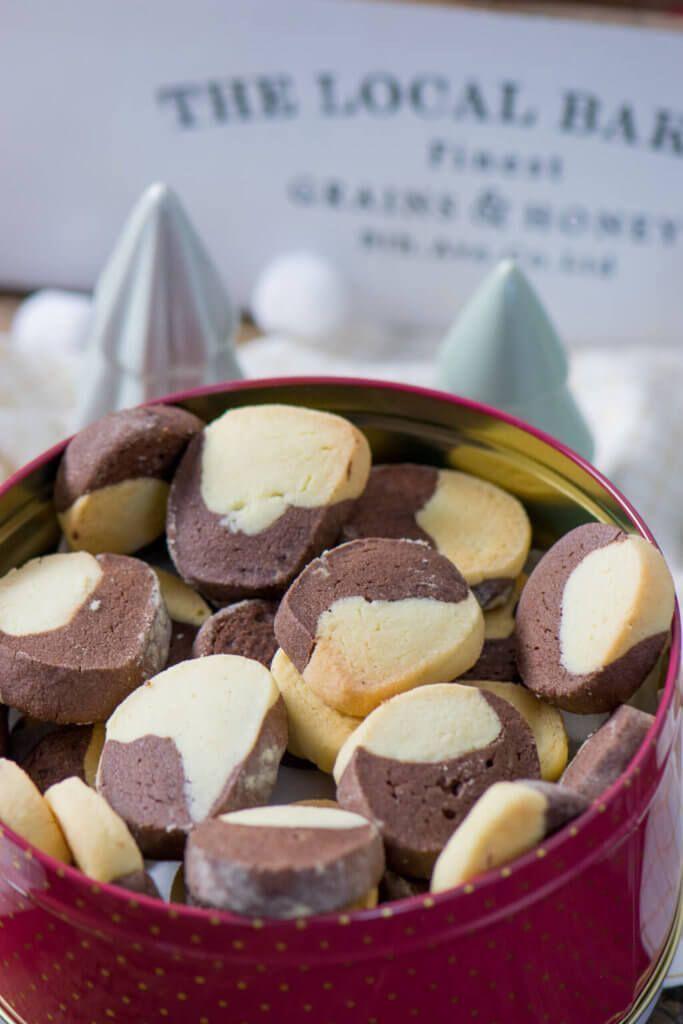 Tender Butter Biscuit - Chocolate Vanilla Cookies -  Great Christmas biscuits – chocolate vanilla