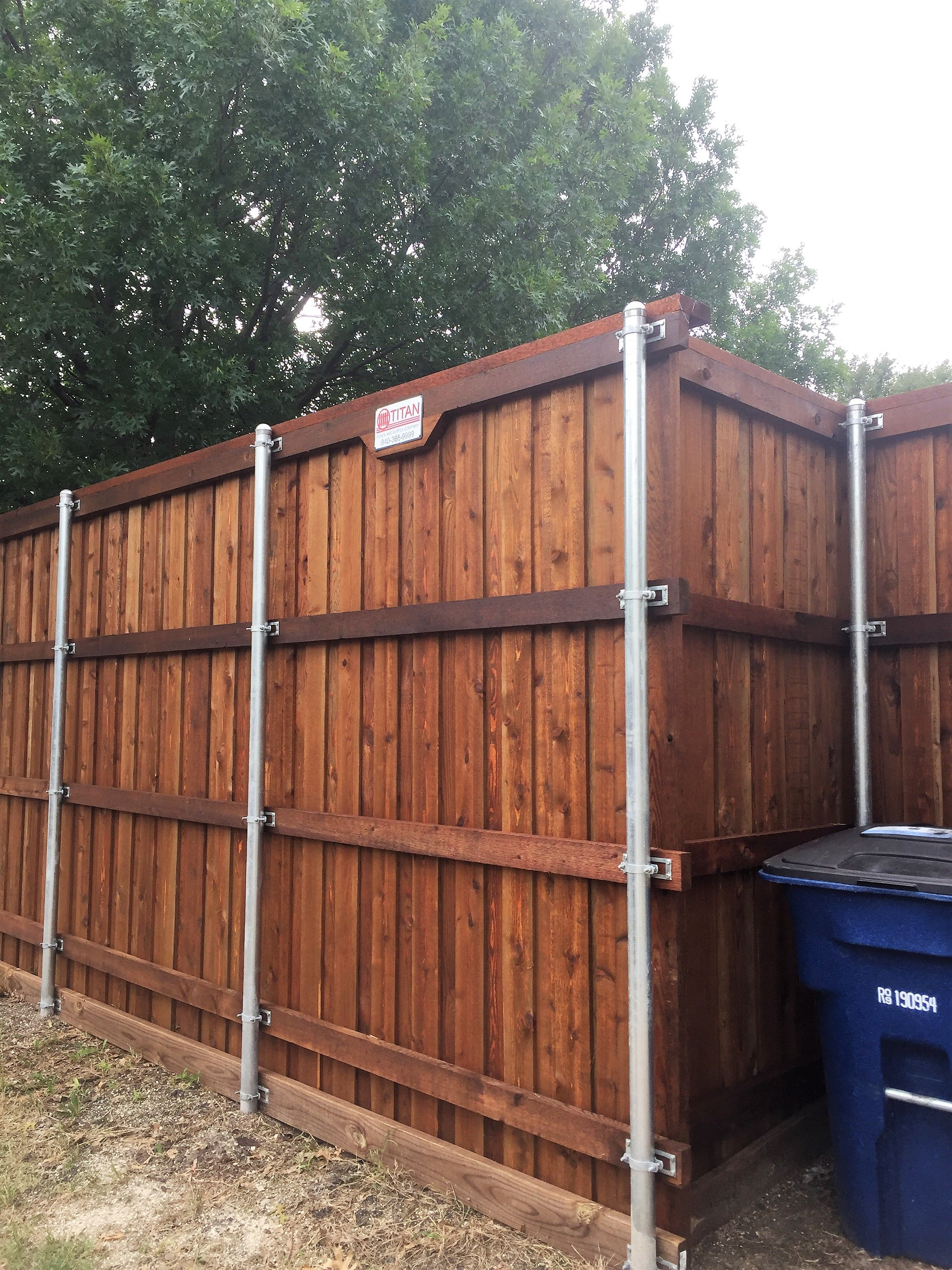 Pre Sealed Cedar Board On Board Fence With Metal Posts Cap And Rot Board Installed By Titan Fence Supply Company Updating House Fence Cedar Boards