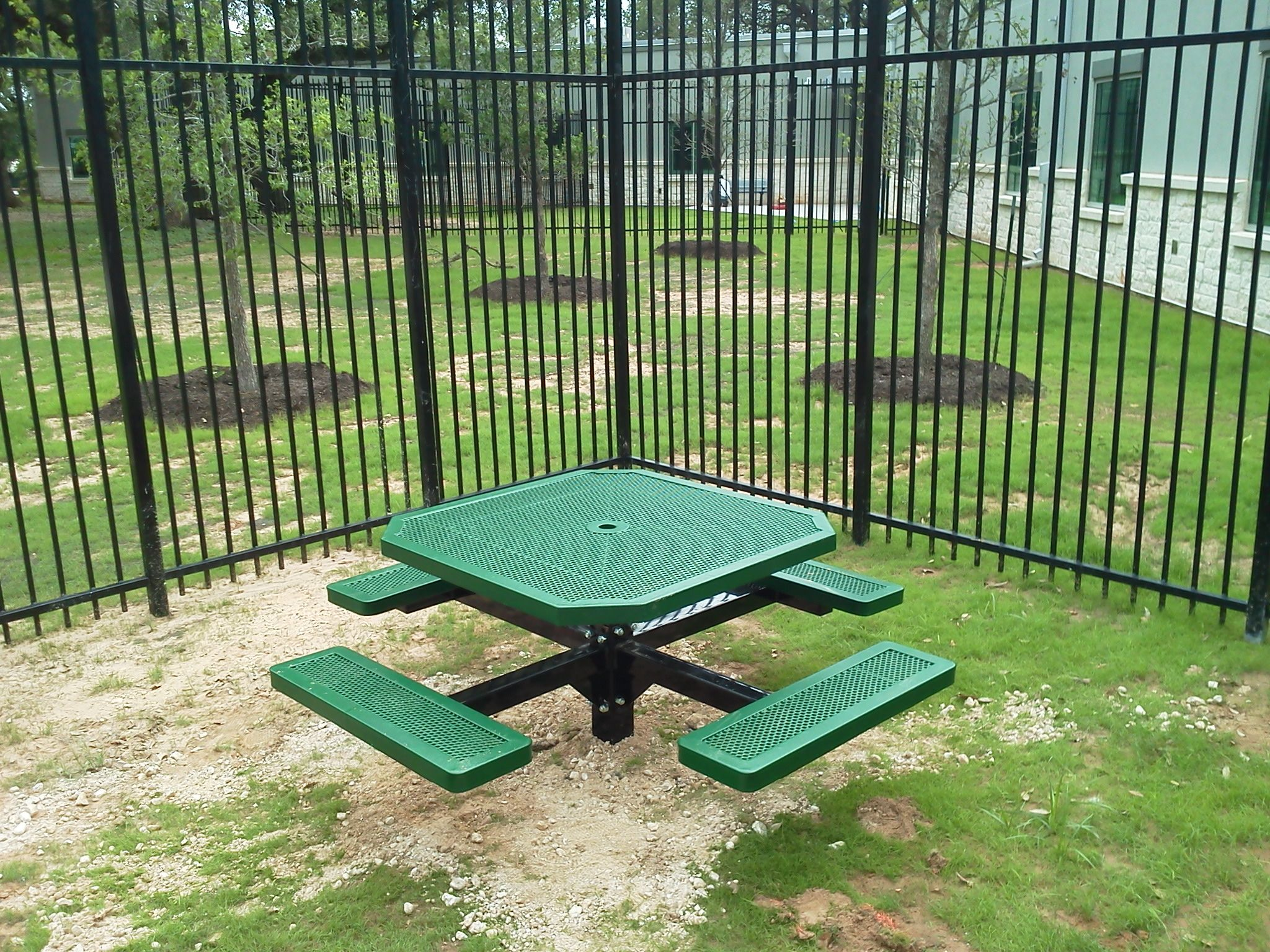 T46INNVPEDS Table from DunRite Playgrounds. http://www.dunriteplaygrounds.com