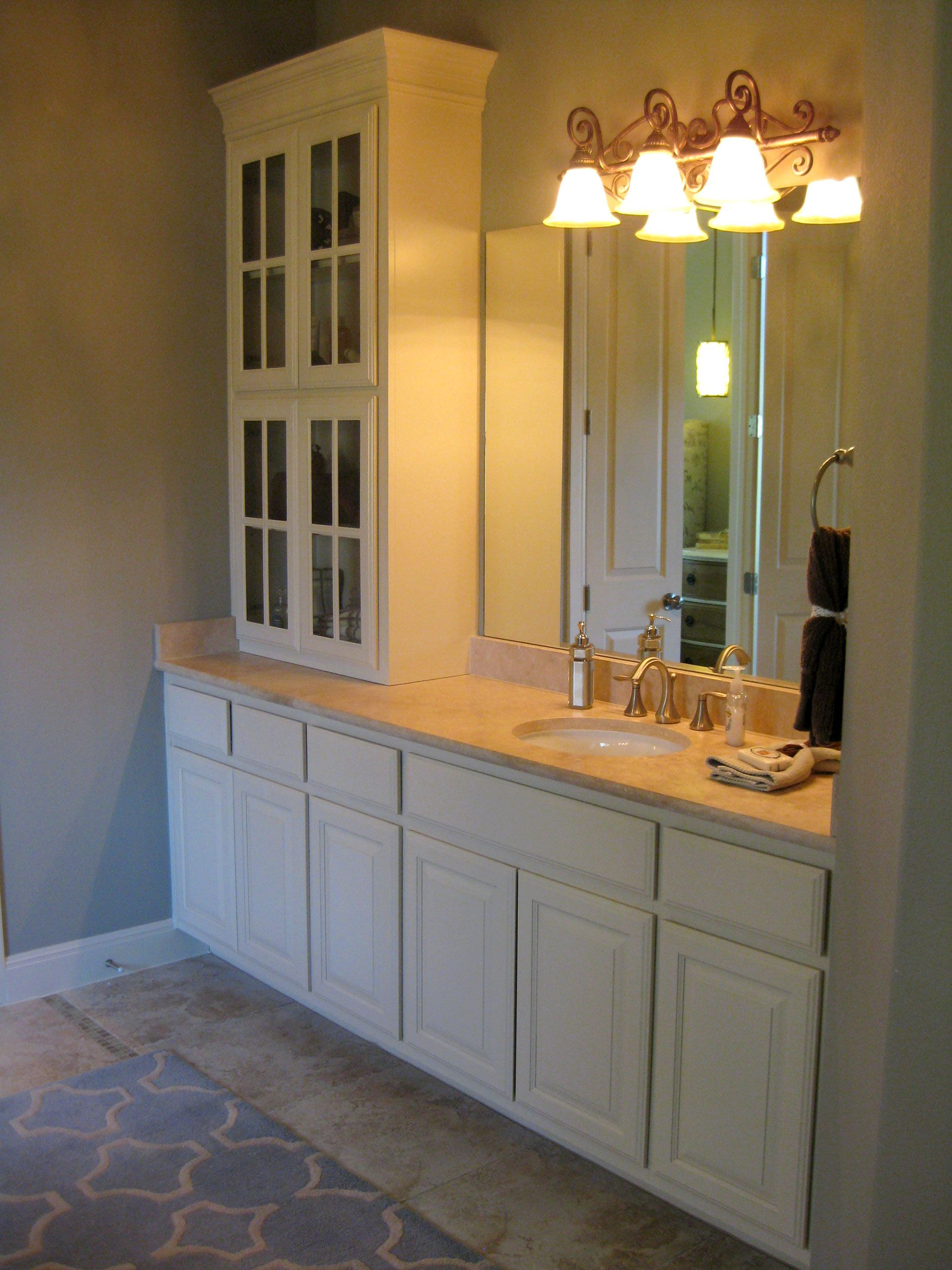 Bathroom 010   Burrows Cabinets   Central Texas Builder Direct Custom  Cabinets