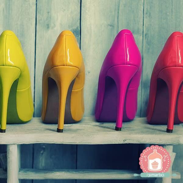 Ayakkabılar, kadınlar için en güzel #şımartıcı! Peki siz ne sıklıkla ayakkabı alışverişi yapıyorsunuz?
