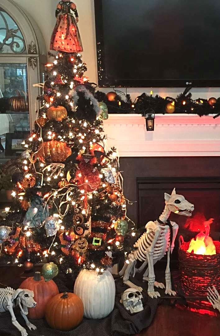 Photo Credit Angie Grabko Grandin Road Spooky Decor Challenge 2016 Halloween Tree Decorations Halloween Christmas Tree Halloween Christmas