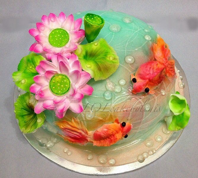 Recipe For Cake Decorating Gel : Pipped Goldfish cake. Love the wet look created using ...